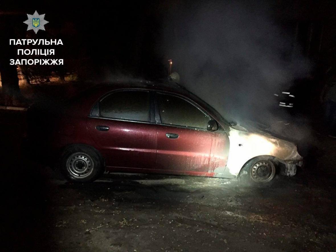 Минувшей ночью в Запорожье сгорел еще один автомобиль, - ФОТО , фото-4
