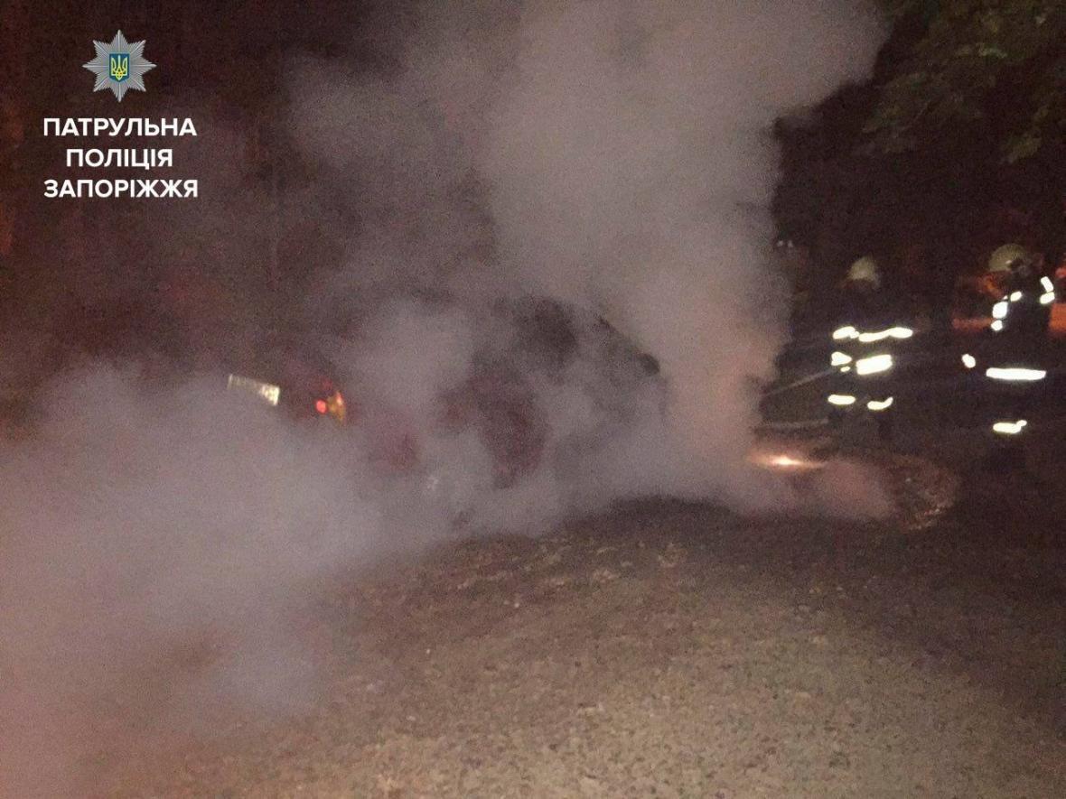 Минувшей ночью в Запорожье сгорел еще один автомобиль, - ФОТО , фото-5