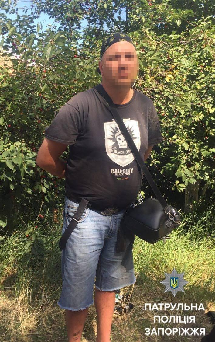 В Запорожье мужчина угрожал патрульным пистолетом: его обезвредили слезоточивым газом, - ФОТО , фото-3