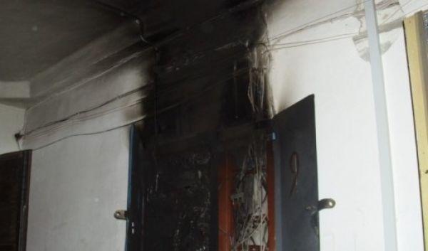 В Запорожской области неизвестные пытались поджечь квартиру местного депутата, - ФОТО, фото-1