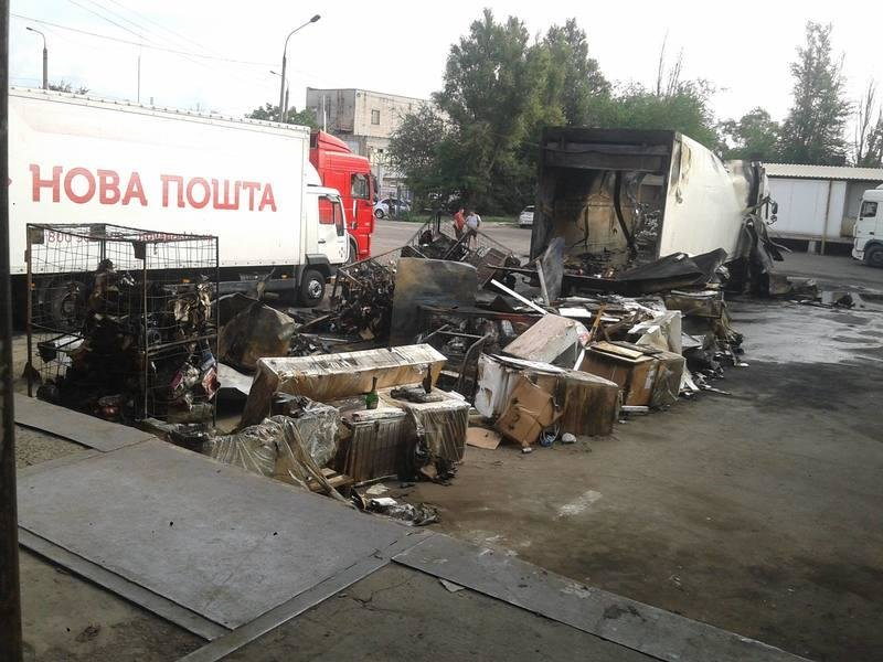 В Запорожье сгорел грузовик с посылками «Новой почты», – ФОТО, фото-2