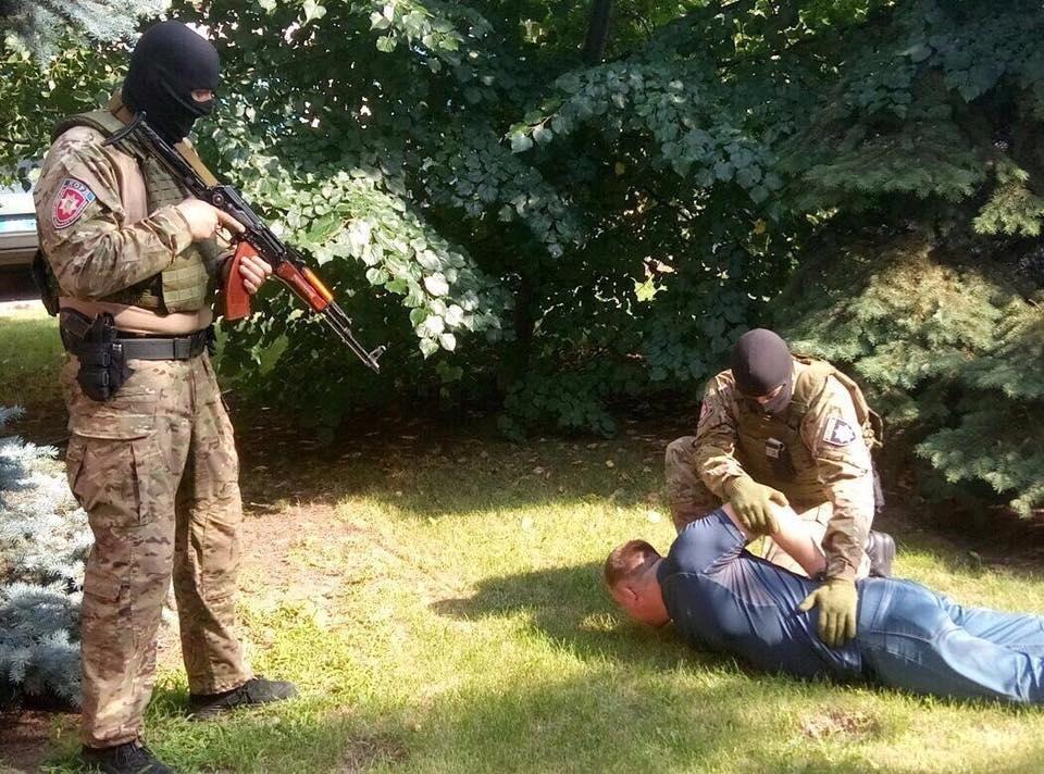В Запорожье задержали группировку, сжигающую машины и похищающую людей, - ФОТО, фото-2