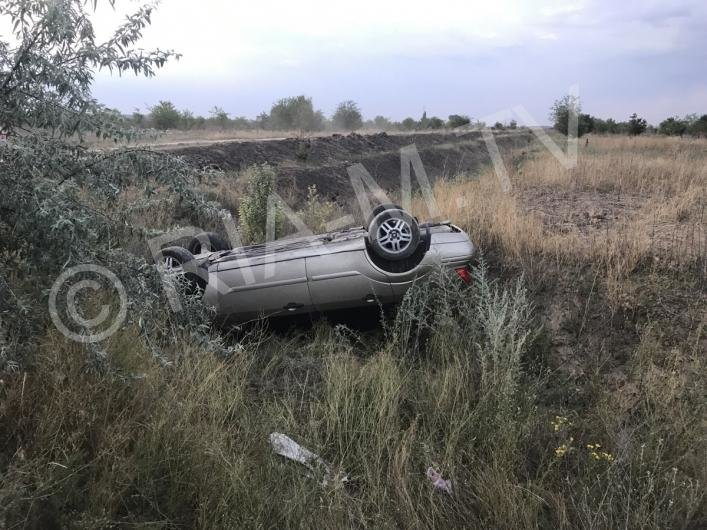 В Запорожской области иномарка вылетела в кювет, – ФОТО, фото-2