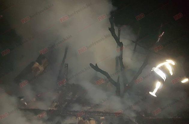 В Запорожской области жители микрорайона сообща тушили большой пожар, – ФОТО, фото-1