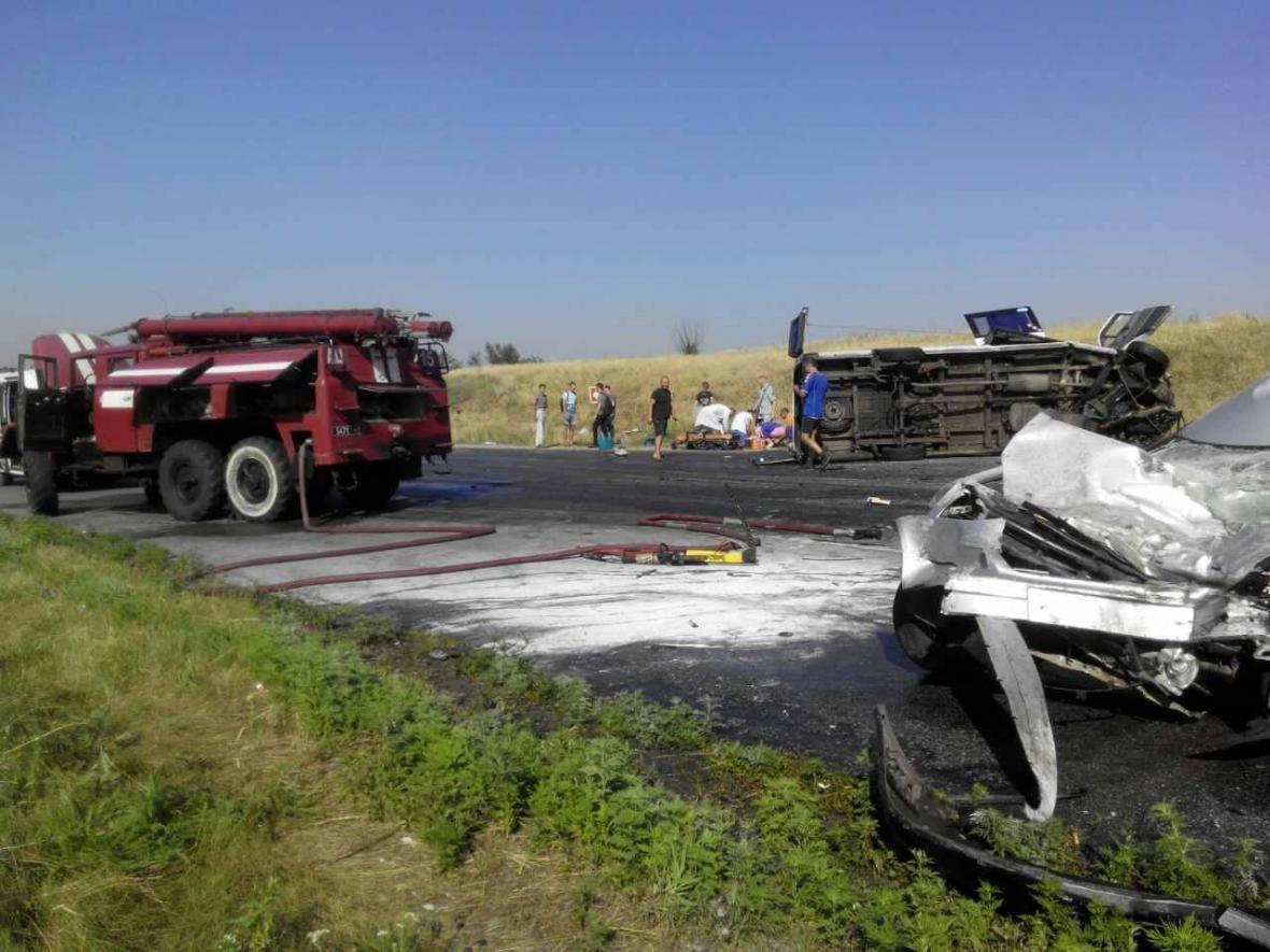В Запорожской области произошло ДТП с нелегальной маршруткой: водитель скончался на месте, - ФОТО, фото-1