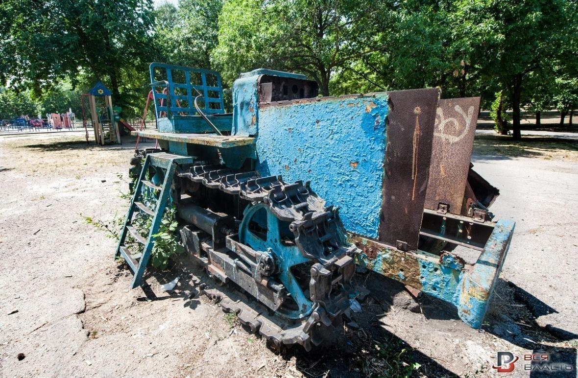 В одном из парков Запорожья демонтируют советские аттракционы, - ФОТО, фото-4