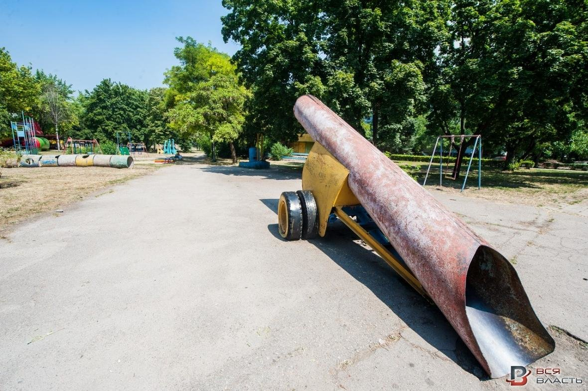 В одном из парков Запорожья демонтируют советские аттракционы, - ФОТО, фото-1