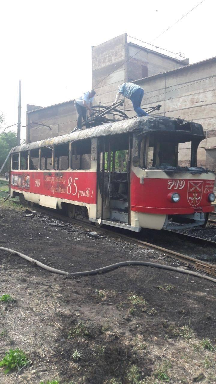 В Запорожье сгорел трамвай, - ФОТО, фото-1
