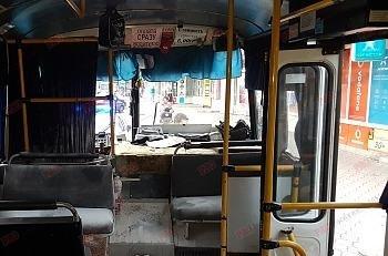 В Бердянске пьяный пассажир пытался избить водителя огнетушителем, - ФОТО, ВИДЕО, фото-1