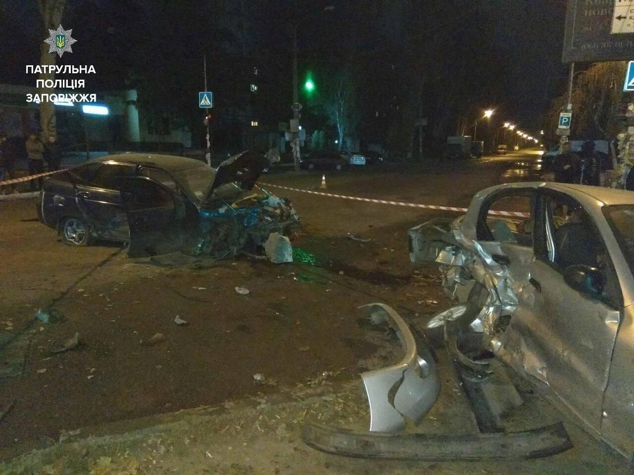 В Запорожье пьяный сотрудник СТО на авто клиента разбил три автомобиля, – ФОТО, фото-1