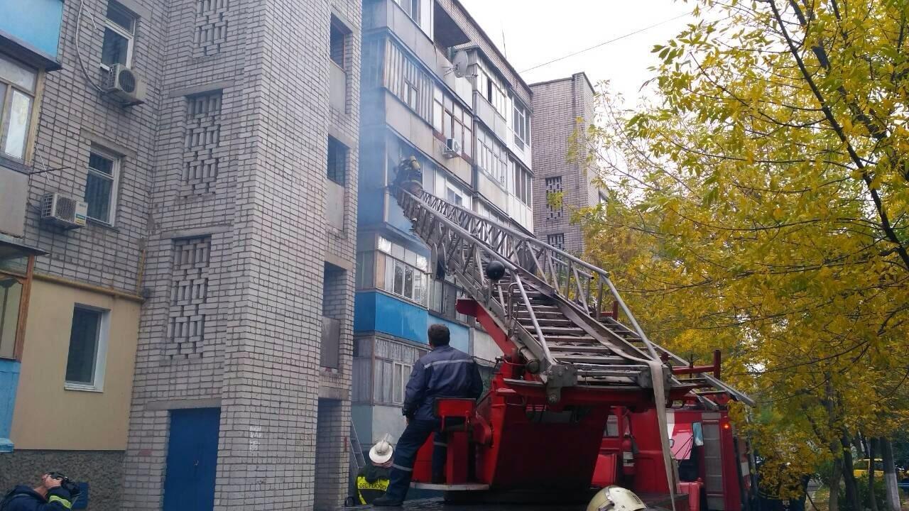 В Бердянске пожарные спасли с пожара 72-летнего пенсионера, — ФОТО, фото-1