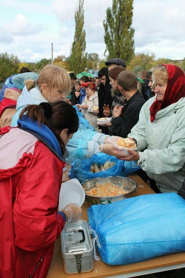 Под Запорожьем на Дне громады бесплатно раздали 800 порций плова, – ФОТО, фото-6