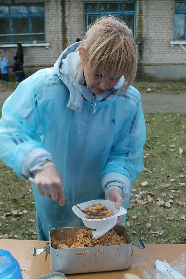 Под Запорожьем на Дне громады бесплатно раздали 800 порций плова, – ФОТО, фото-3