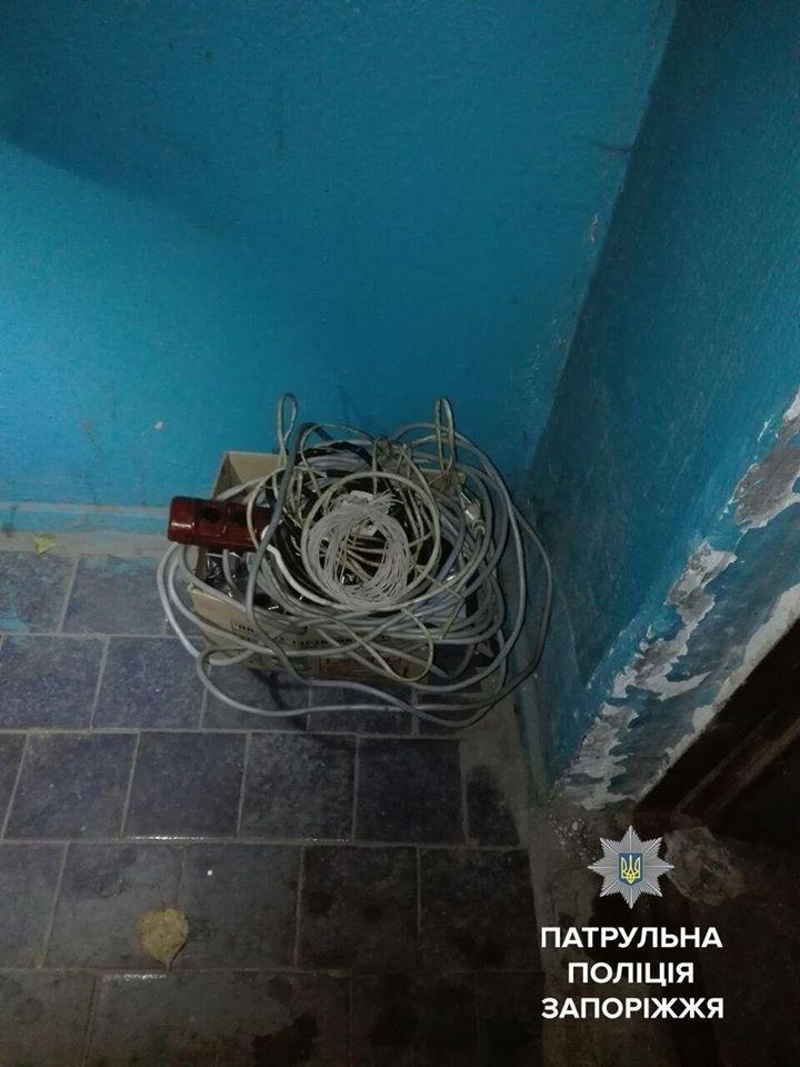 В Запорожье двое мужчин пытались ограбить лифтовую службу, - ФОТО, фото-1