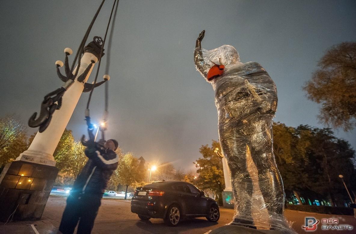 В Запорожье посреди ночи установили памятник Жаботинскому, - ФОТО , фото-4