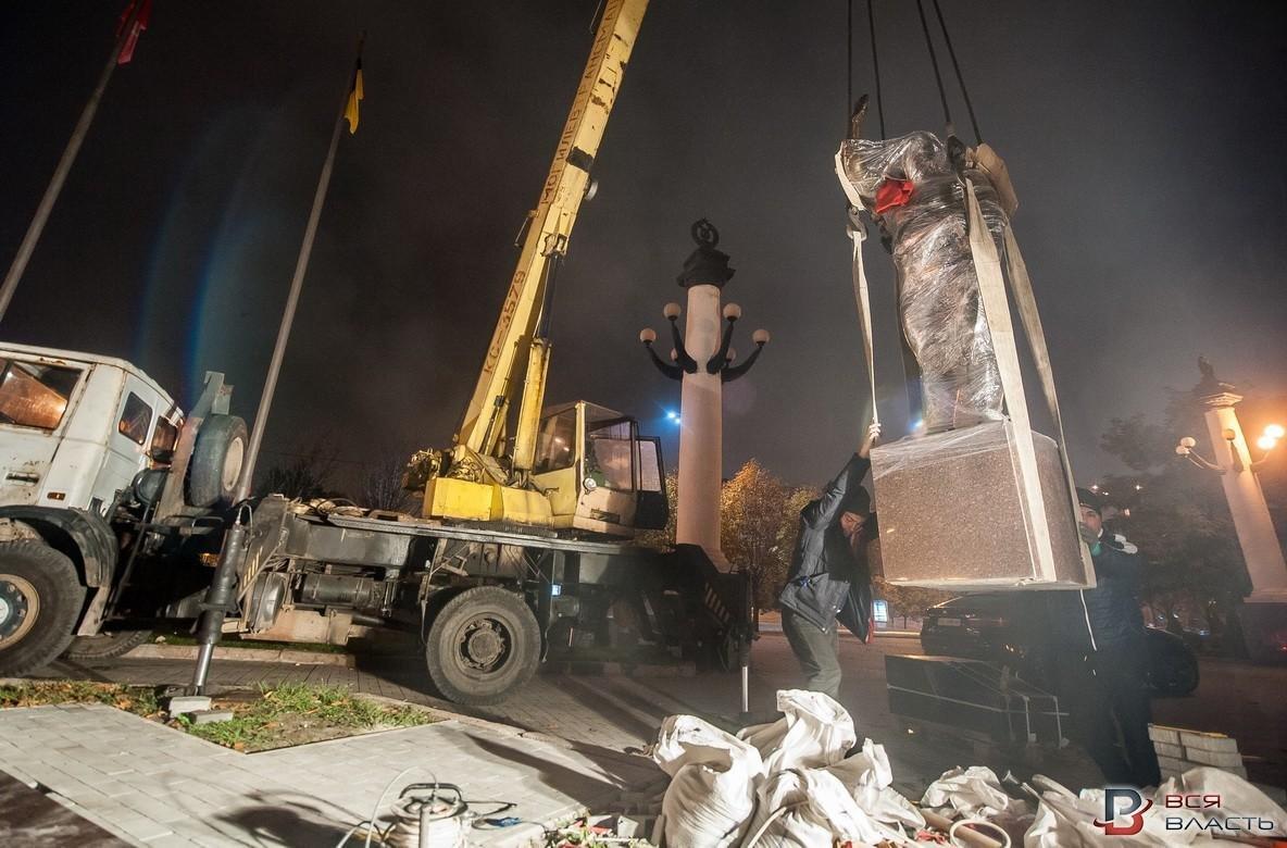 В Запорожье посреди ночи установили памятник Жаботинскому, - ФОТО , фото-3