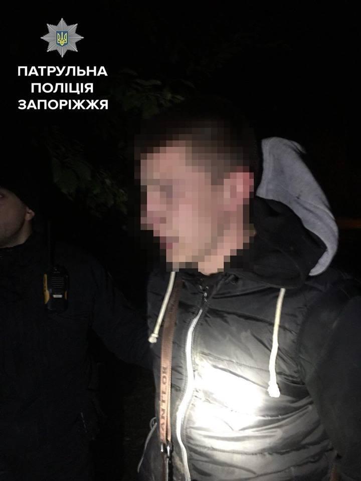 В Запорожье автовор пытался спрятаться от полиции на чердаке, - ФОТО, фото-2