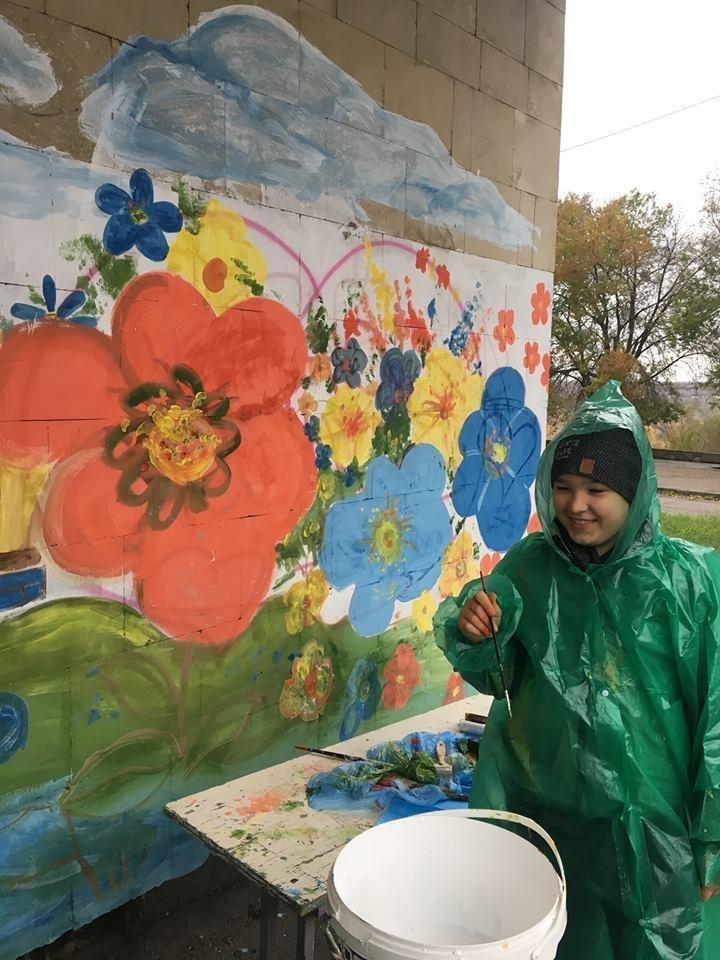 Ученики Запорожского Цента творчества зарисовали надписи вандалов пейзажами, - ФОТО, фото-3