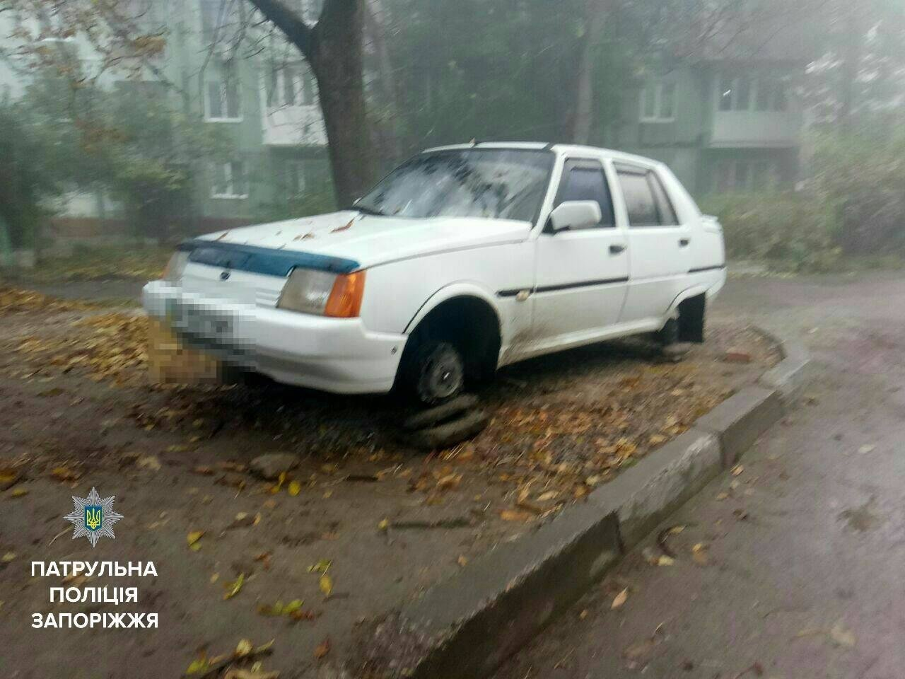 В Запорожье задержали мужчин, которые снимали колеса с автомобилей, - ФОТО , фото-8