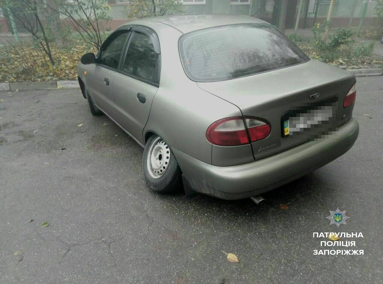 В Запорожье задержали мужчин, которые снимали колеса с автомобилей, - ФОТО , фото-3