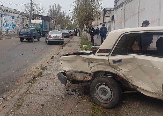 В Бердянске столкнулись два авто: водитель вылетел из лобового стекла, – ФОТО, фото-3