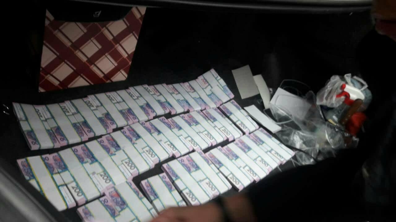 В Запорожской области преступники вымогали у мужчин 20 000 долларов вымышленного долга, - ФОТО, фото-1