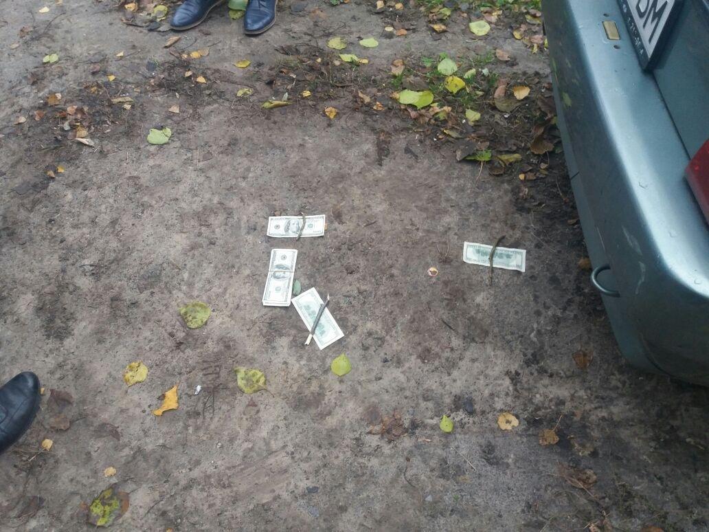 В Запорожье на взятке задержали офицера райотдела полиции, — ФОТО, фото-2