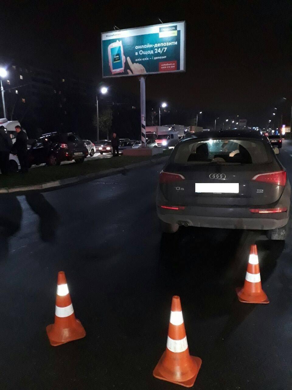 У Запоріжжі на Набережній сталося потрійне ДТП: одного водія госпіталізували, — ФОТО, фото-4