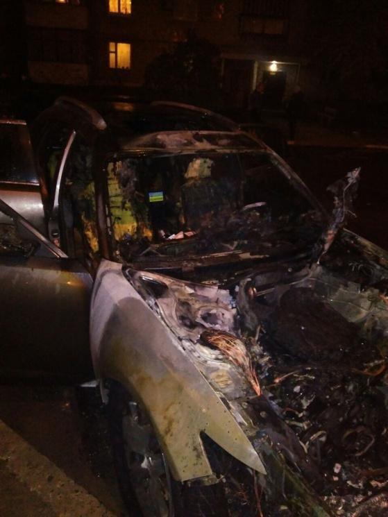 На Южном в Запорожье сгорела «Инфинити», – ФОТО, фото-2