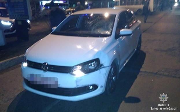 В Запорожской области «Volkswagen» сбил мальчика, который выбежал на дорогу, — ФОТО, фото-1