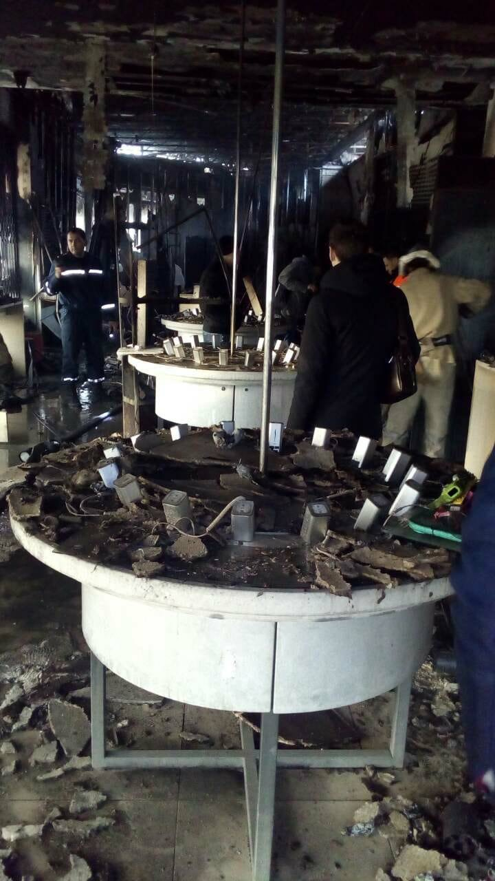 В Запорожской области в торговом центре случился пожар: сгорел магазин техники, - ФОТО, ВИДЕО, фото-4