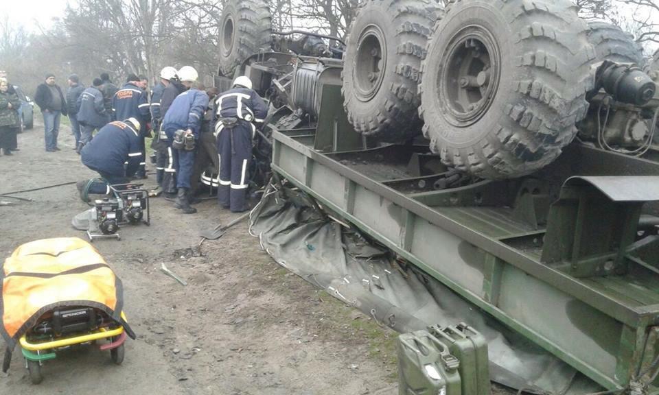 В Запорожье перевернулось авто с военными: погиб водитель, - ФОТО, фото-2