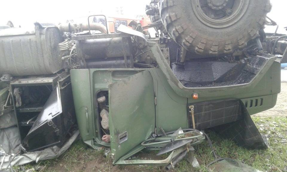 В Запорожье перевернулось авто с военными: погиб водитель, - ФОТО, фото-3