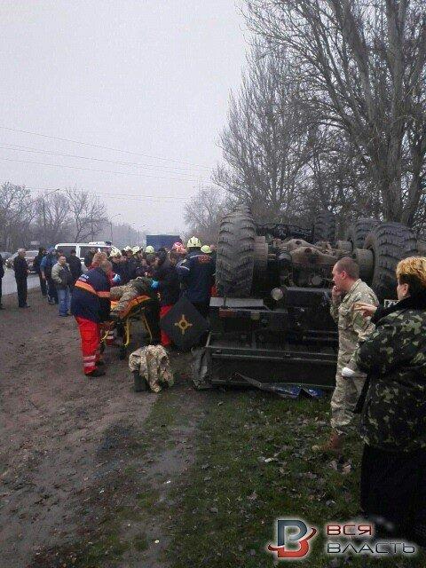 В Запорожье перевернулось авто с военными: погиб водитель, - ФОТО, фото-6