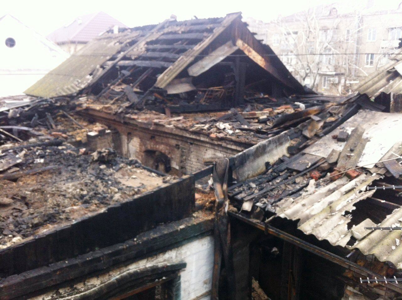 В Бердянске пожар в частном доме тушили 16 спасателей, – ФОТО, фото-3