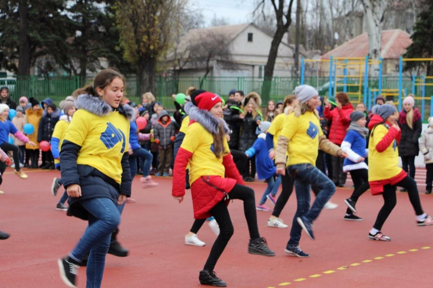 В школе Заводского района открыли очередной стадион, - ФОТО, фото-3