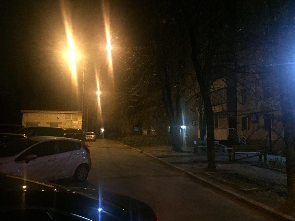 В центре Запорожья избили мужчину-переселенца, а после сожгли его авто, - ФОТО, ВИДЕО, фото-3