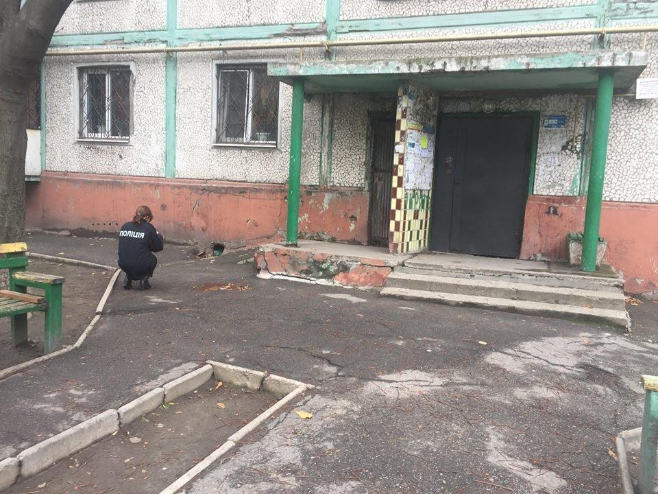 В центре Запорожья избили мужчину-переселенца, а после сожгли его авто, - ФОТО, ВИДЕО, фото-1