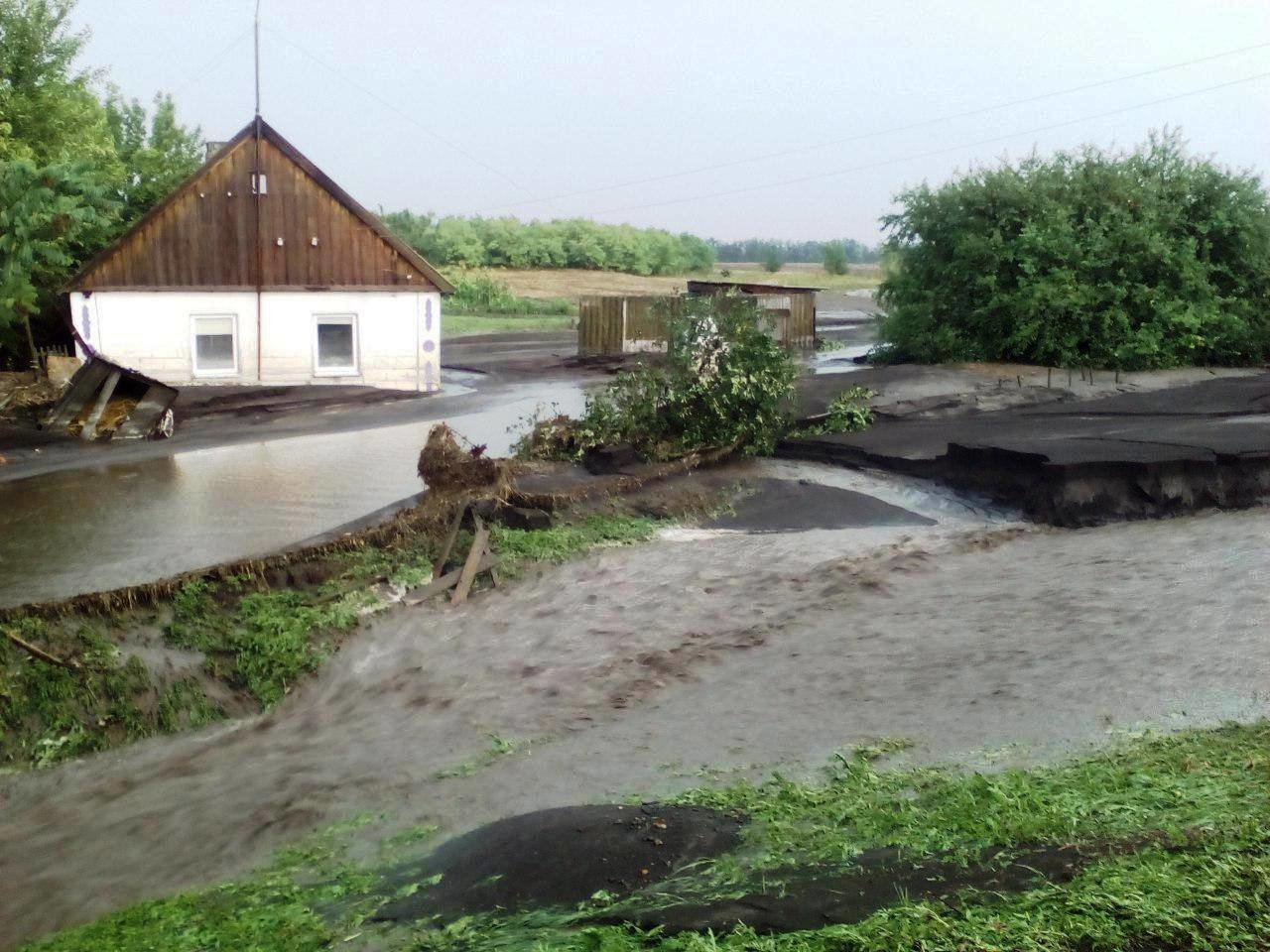В Запорожской области за час затопило 77 домов, - ФОТО, фото-1
