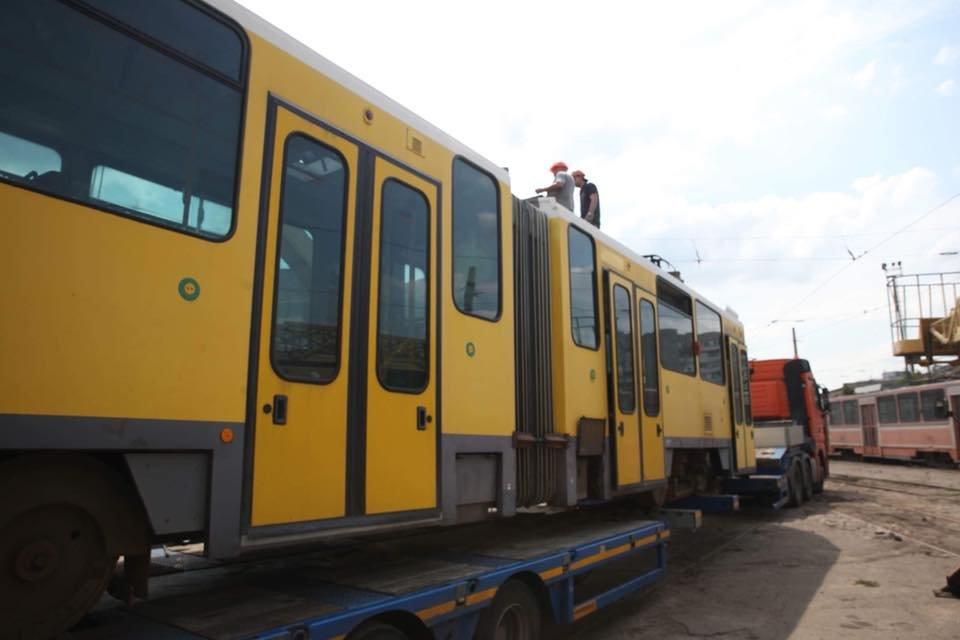 В Запорожье на маршруты выйдут три трамвайных вагона из Европы, – ФОТО, фото-1