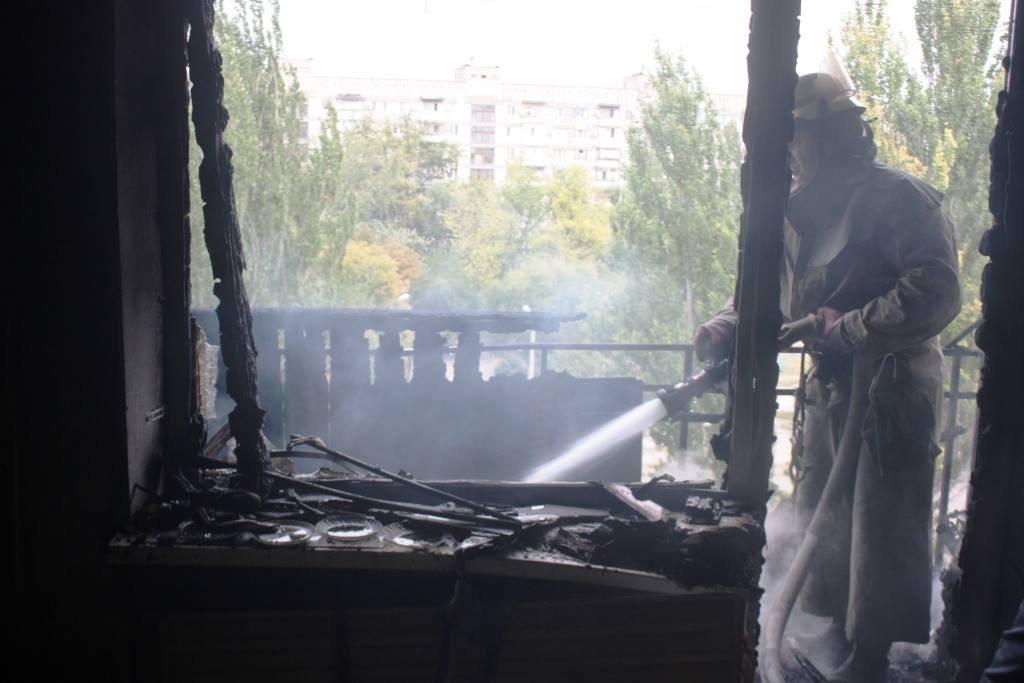 Пожар в Запорожье: горели два балкона и жилая комната, - ФОТО, фото-4