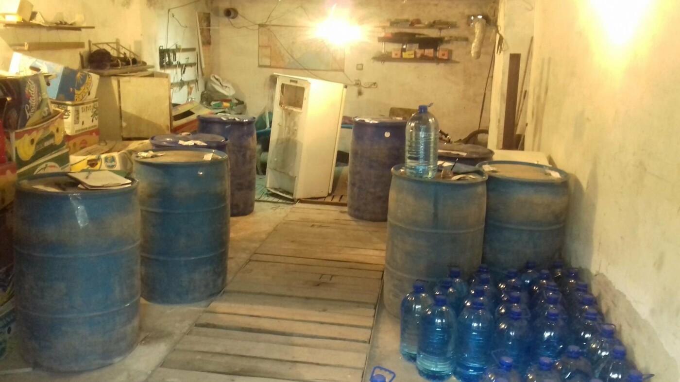 В Мелитополе, смешивая спирт с водой, незаконно изготавливали алкогольный фальсификат, – ФОТО, фото-3