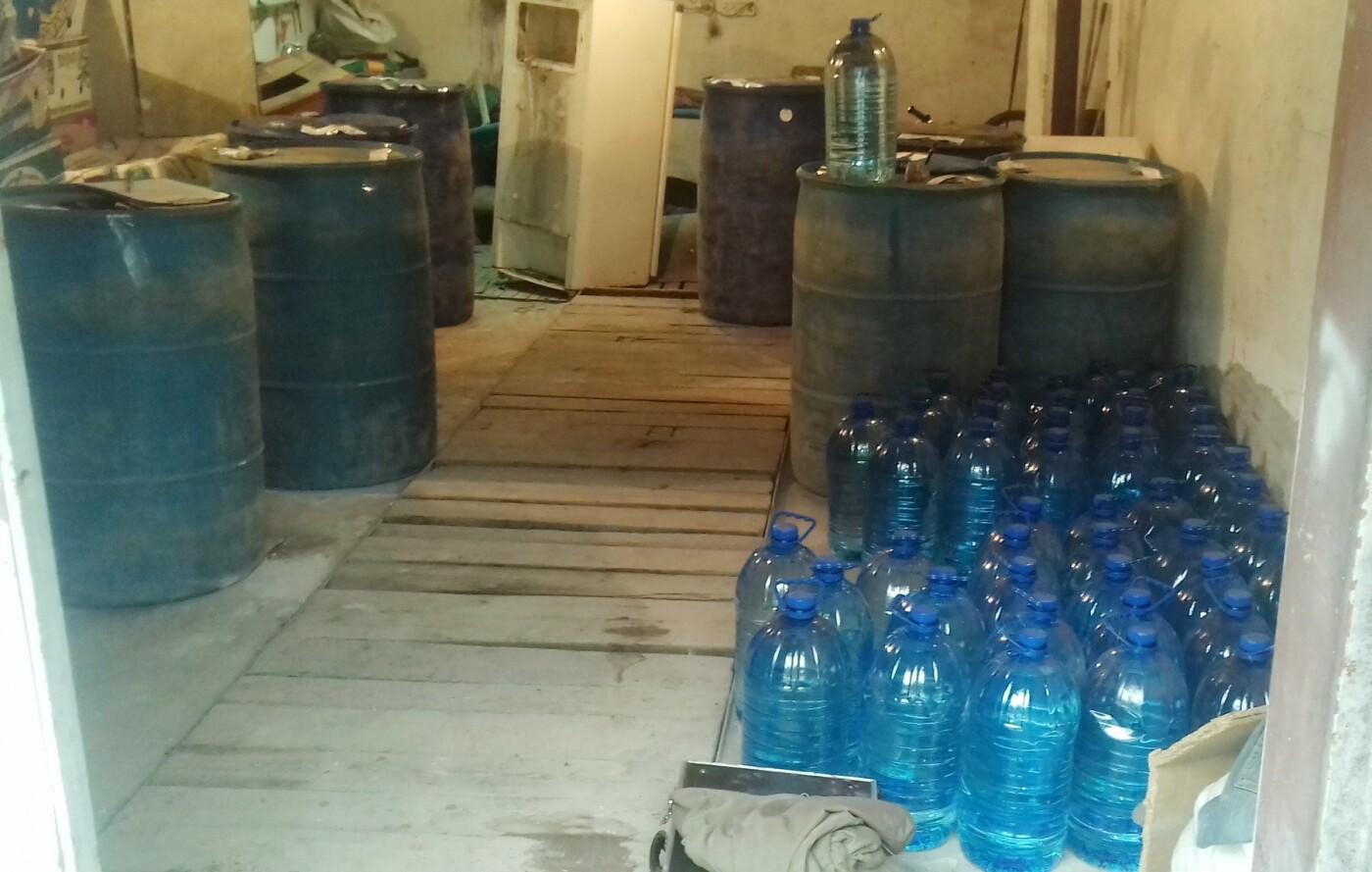 В Мелитополе, смешивая спирт с водой, незаконно изготавливали алкогольный фальсификат, – ФОТО, фото-4