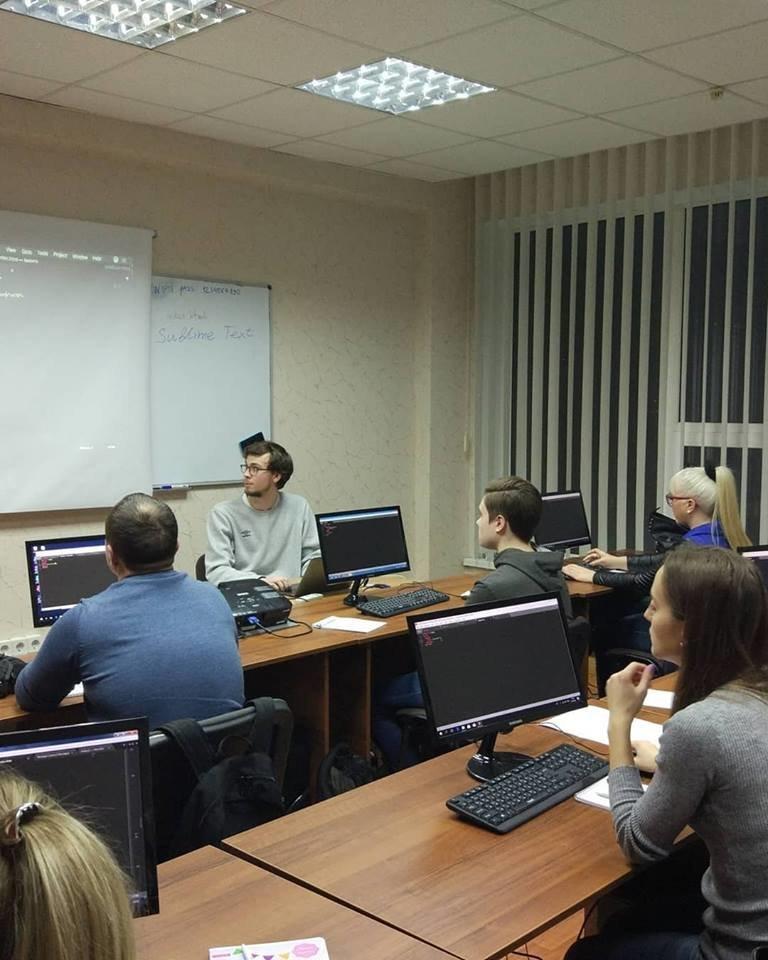 «Уже через 4 месяца ты сможешь работать в IT»: история запорожской школы, в которой готовят айтишников, фото-10