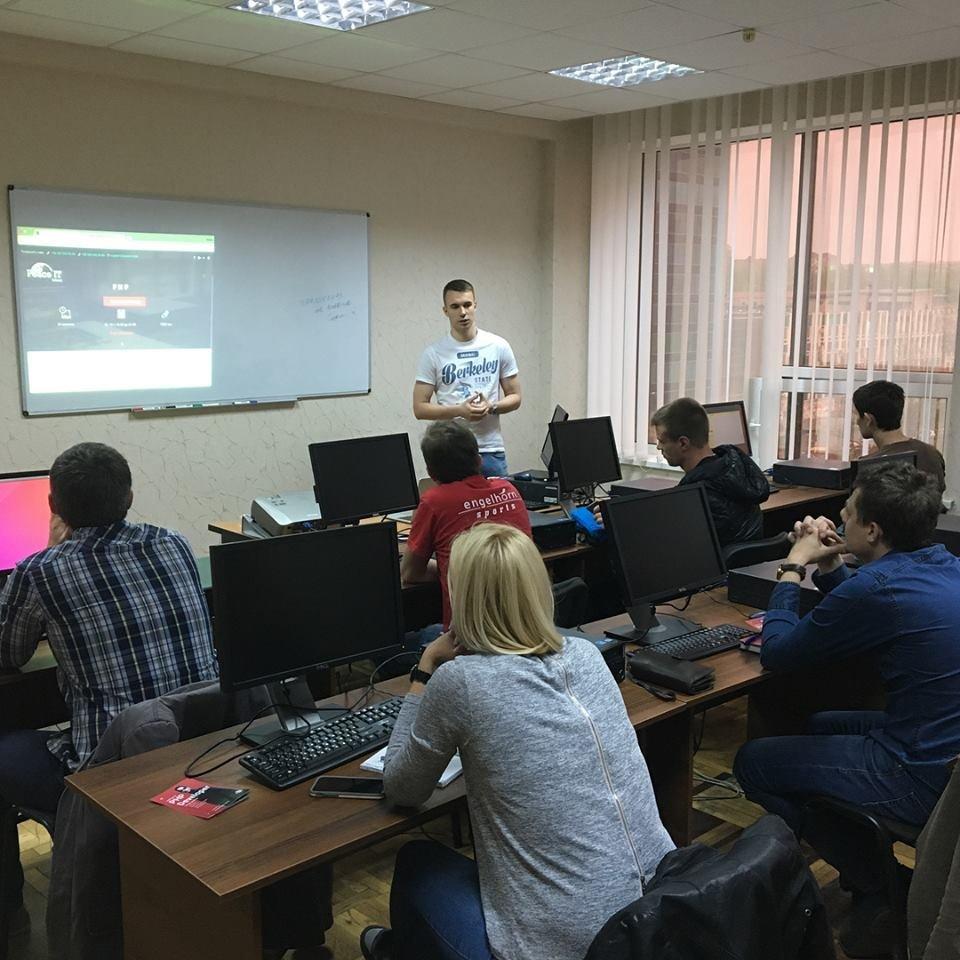 «Уже через 4 месяца ты сможешь работать в IT»: история запорожской школы, в которой готовят айтишников, фото-12
