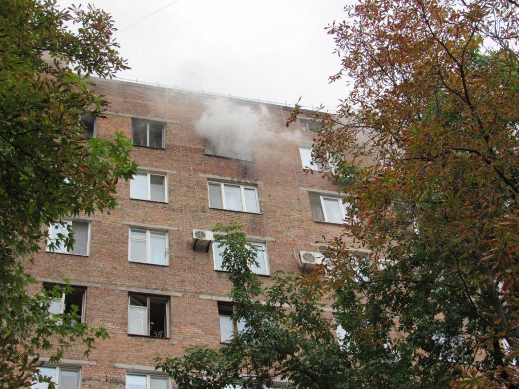 В Запорожье горела квартира в девятиэтажке: приехали 17 спасателей, – ФОТО, фото-1