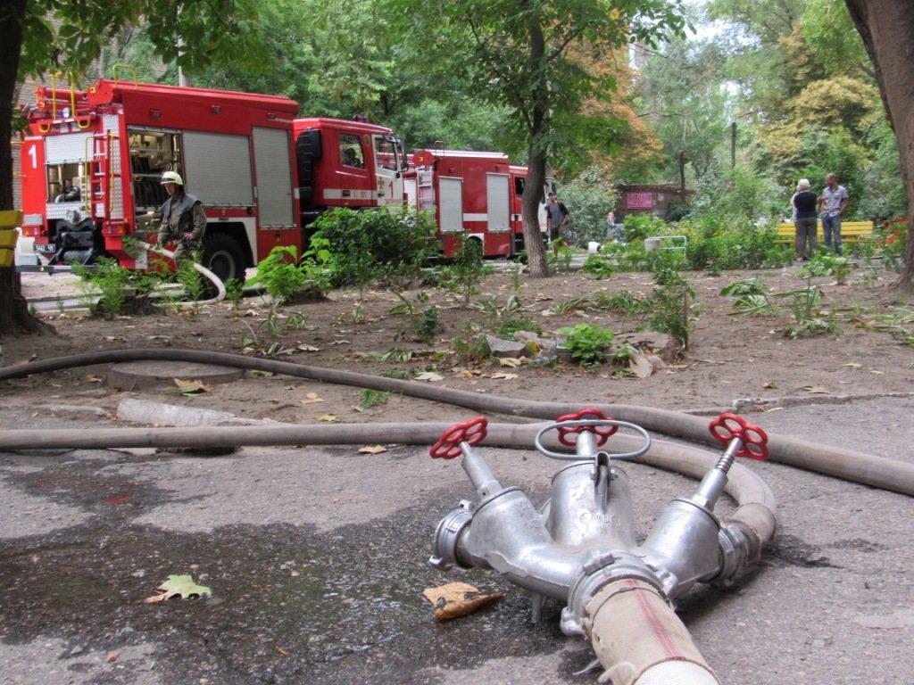 В Запорожье горела квартира в девятиэтажке: приехали 17 спасателей, – ФОТО, фото-2