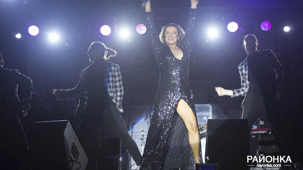 Наталья Могилевская перепугалась из-за багажа и все же выступила в Пологах, - ФОТОРЕПОРТАЖ, фото-5
