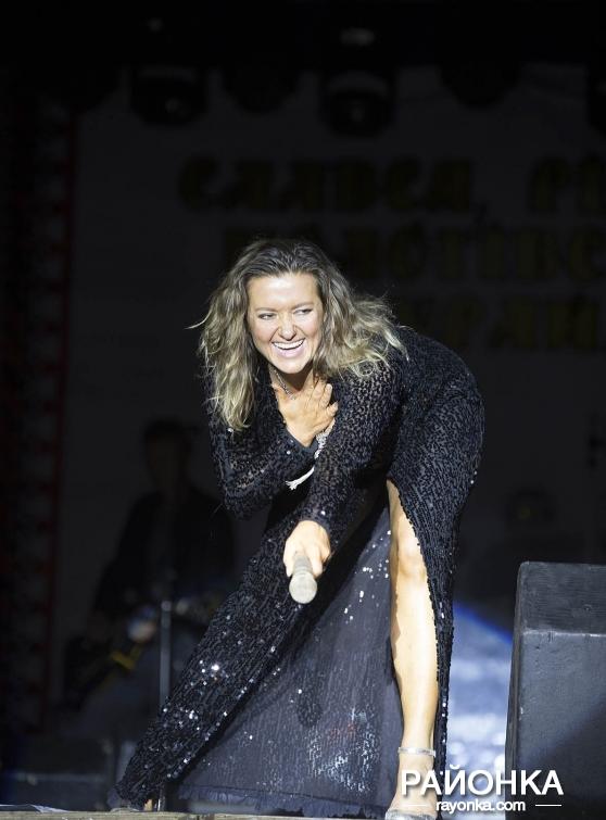 Наталья Могилевская перепугалась из-за багажа и все же выступила в Пологах, - ФОТОРЕПОРТАЖ, фото-2