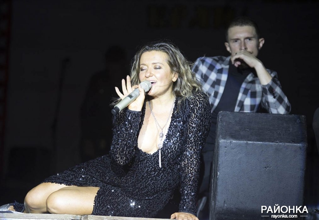 Наталья Могилевская перепугалась из-за багажа и все же выступила в Пологах, - ФОТОРЕПОРТАЖ, фото-8